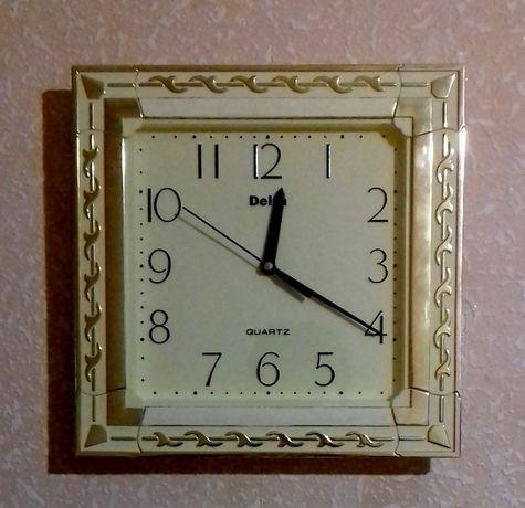 Часы настенные Delta 26 см