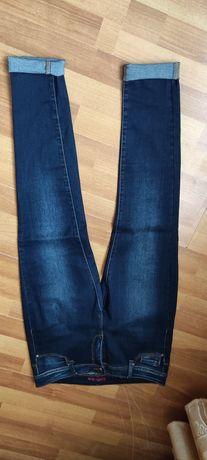 Жіночі джинси стрейч