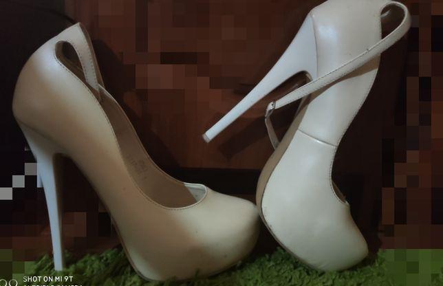 Продам Кожані туфлі