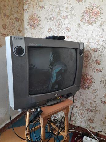 Телевизор LG 700 грн