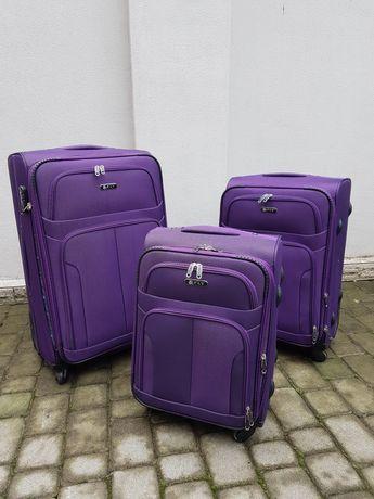 FLY 8303 Польща на 4 - х  колесах валізи чемоданы  сумки на колесах