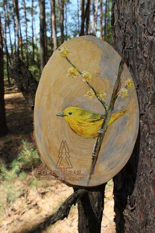 Картина Птица на деревянном срезе.