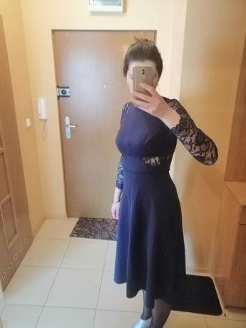 Sukienka Mindi koronkowe rękawy