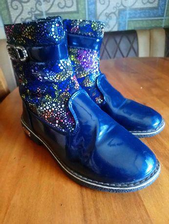 Демисизонные ботиночки  33 р.для девочки в хорошем состоянии !