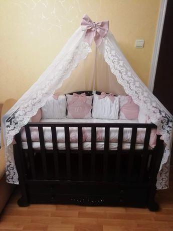 Кроватка для дівчинки