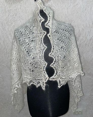 Оренбуржский платок пуховый. Подарок маме