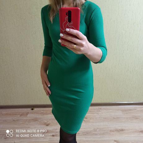 Продам плаття по фігурі