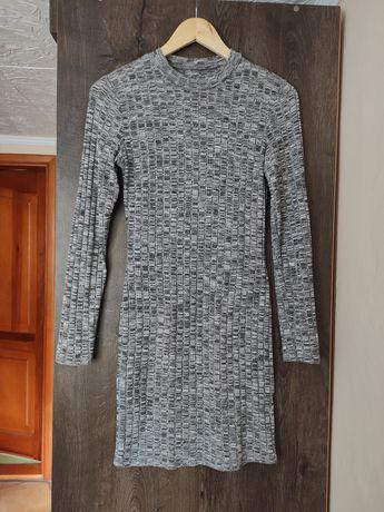 Sukienka prążkowana