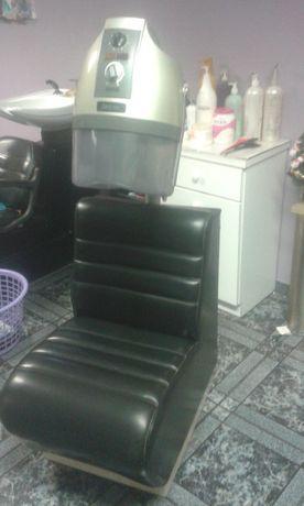 secador de cabelo co sofá