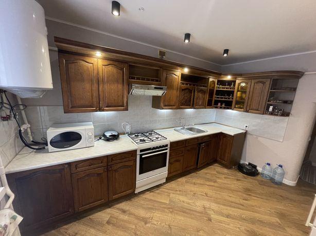 Кухня дубова