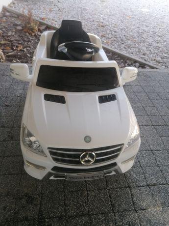 Auto na akumulator Mercedes ML350 2SILNIKI LED MP3