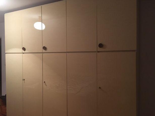 Komplet: łóżko, szafa, dwie szafki nocne, toaletka do makijażu