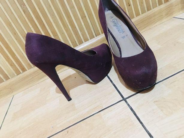 Замшиві туфлі