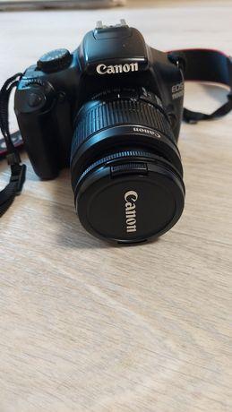 Продам фотоапарат Canon EOS 1100D