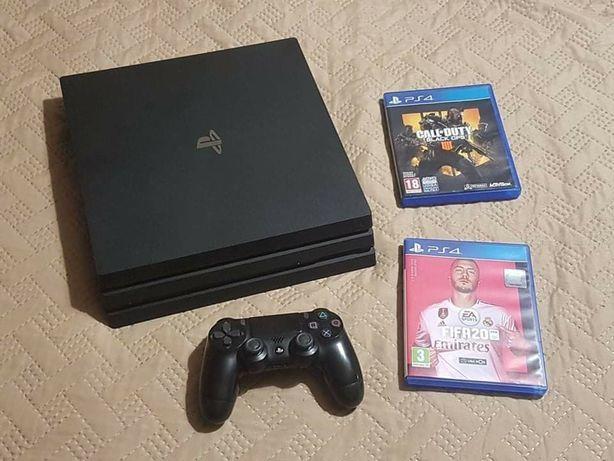 Playstation PS4 PRO 4K + 1 Comando e 2Jogos