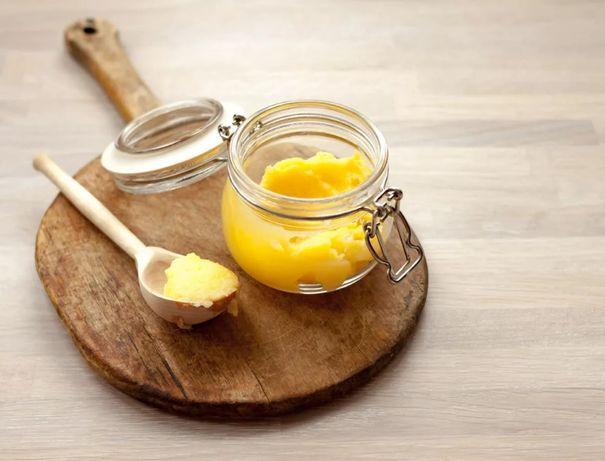 Масло Гхи топленое из домашнего экологически чистого сливочного масла.