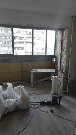 Демонтаж стен, стяжки, плитки. Вывоз мусора после демонтажа