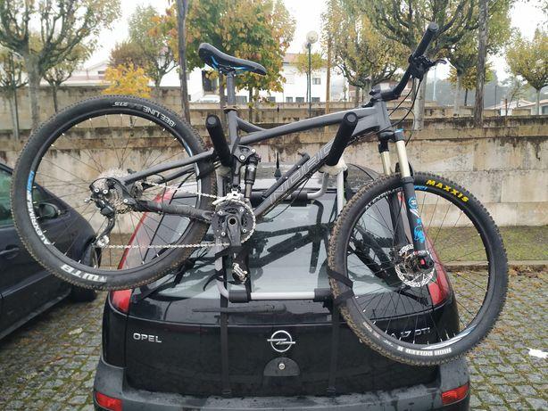 Suporte bicicleta para bagageira de carro