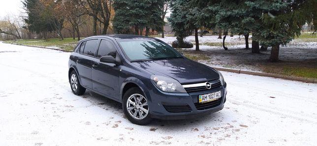 Opel Astra H 2005 року випуску