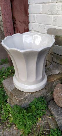 Большой керамический горшок для цветов
