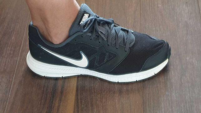 Sapatilhas Nike, tamanho 43