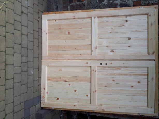 Drzwi drewniane dwu skrzydłowe zewnętrzne