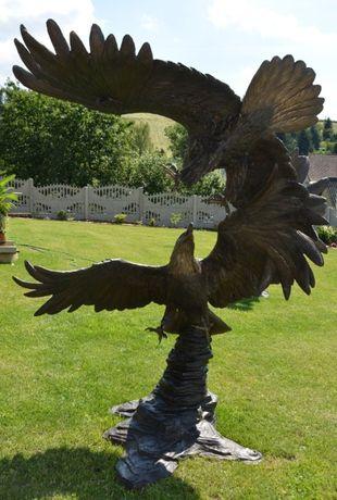 Estátuas de bronze - Águias em voo - em excelente estado. ÚNICA