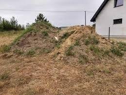 Oddam ziemię gruz cegły kostkę po budowie