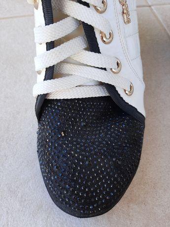 Кроссовки с подъёмом