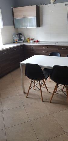 Meble kuchenne stół krzesła