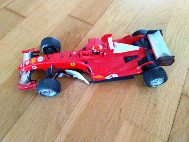 FERRARI F2005 de Michael Schumacher, Automóvel (Algo Usado)