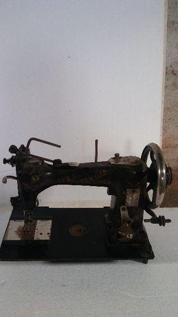 Stara maszyna do szycia BIESOLT&LOCKE plus pokrywa