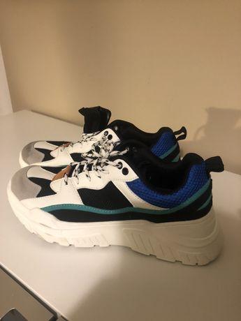 Meskie buty Reserved 43rozmiar