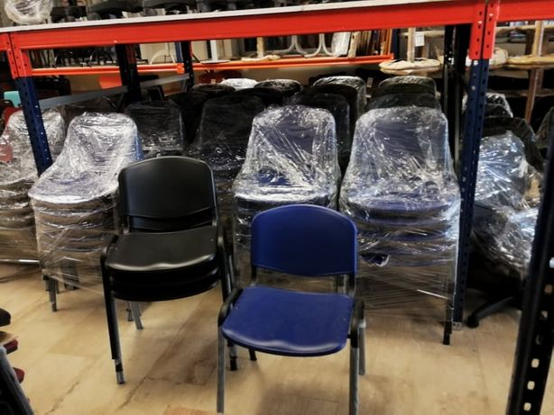 Cadeira fixa em polipropileno