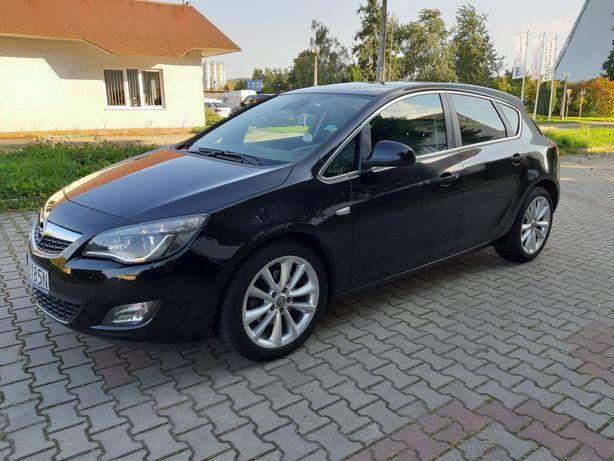 Opel Astra J 2010 benzyna TURBO 1,6 * 180 KM ksenon LED