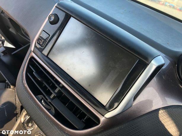 Peugeot 2008 wyświetlacz
