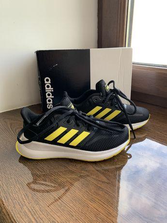 Новые кроссовки Adidas(оригинал)