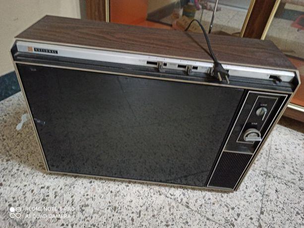 Televisor antigo