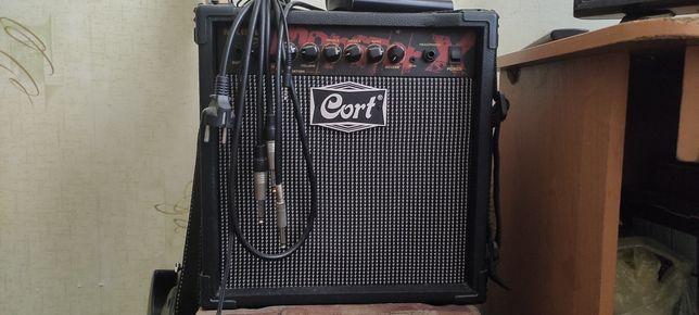 Продам комбоусилитеть CORT MX15R