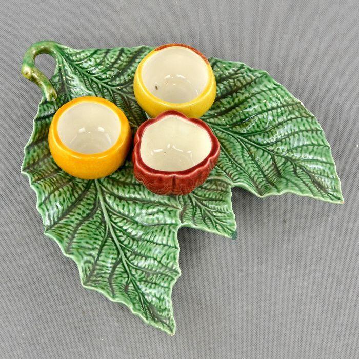 Especieiro em Faiança Bordallo Pinheiro, em forma de vegetais