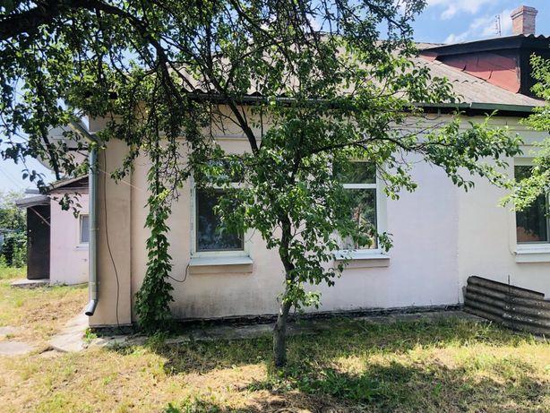 Продам частину будинку в гарному районі курортного містечка