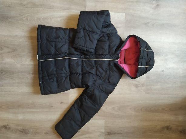 Курточка зимняя. Черная на девочку