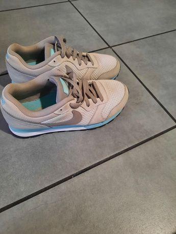 Adidasy Nike rozmiar 38,5
