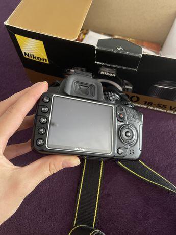 Nikon D3100 + 50mm manual