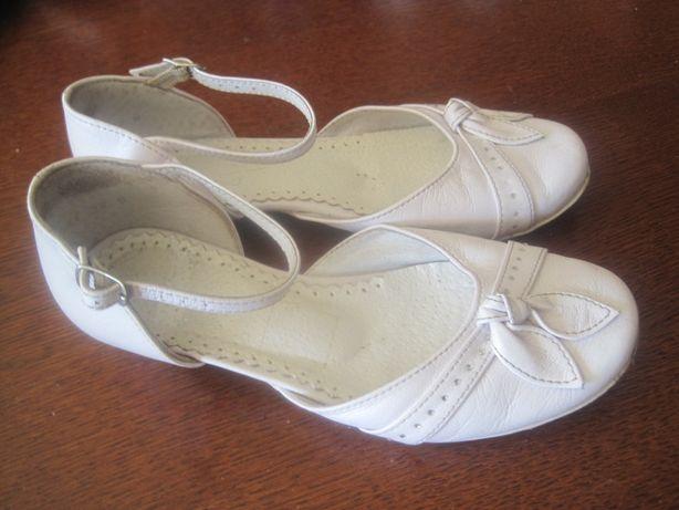 roz. 32 białe baleriny buty pantofle dla dziewczynki ZARRO do komunii