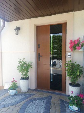 Drzwi zewnętrzne drewniane Agmar