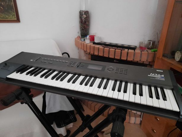 Sintetizador Korg N 364