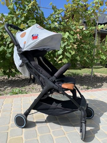 Прогулянковий возик (коляска, каляска) Babysing