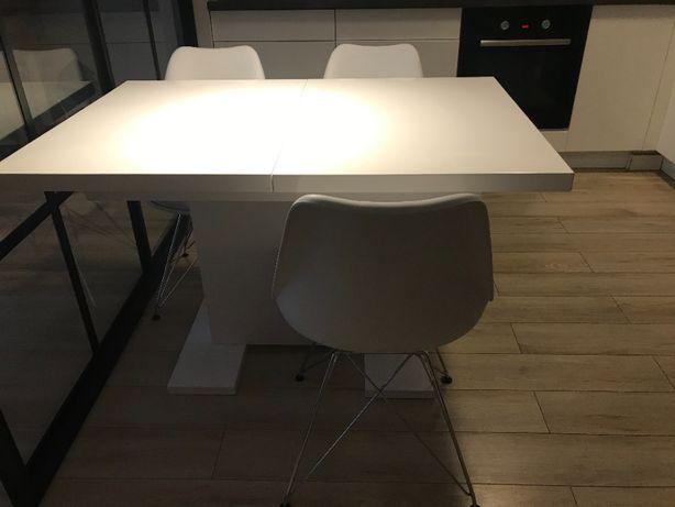 Biały stół kuchenny z opcją rozsuwania + 4 krzesła