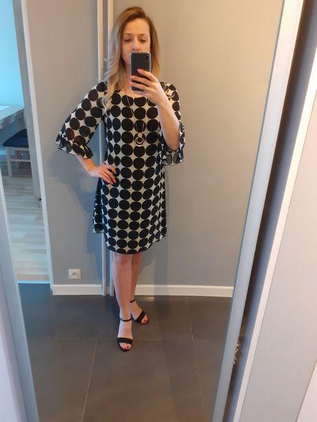 Sukienka Gallery wzorzysta 40
